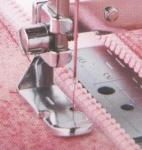 Лапка для шв. маш. F036N для вшивания молнии